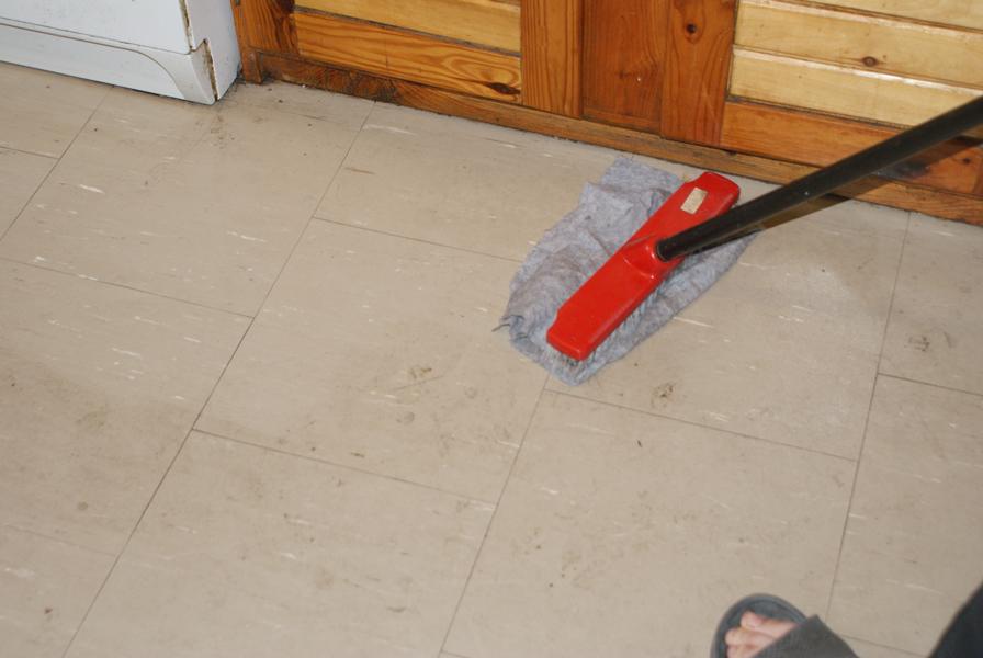 Do-czyszczenia-podłogi-dobry-środek-ultranet-ekosol-najepsze-detergenty-super-okazja-dobry-środek444-