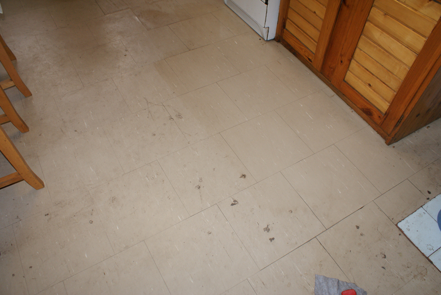 Do-czyszczenia-podłogi-dobry-środek-ultranet-ekosol-najepsze-detergenty-super-okazja-dobry-środek444-33